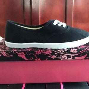 Black Canvas shoe